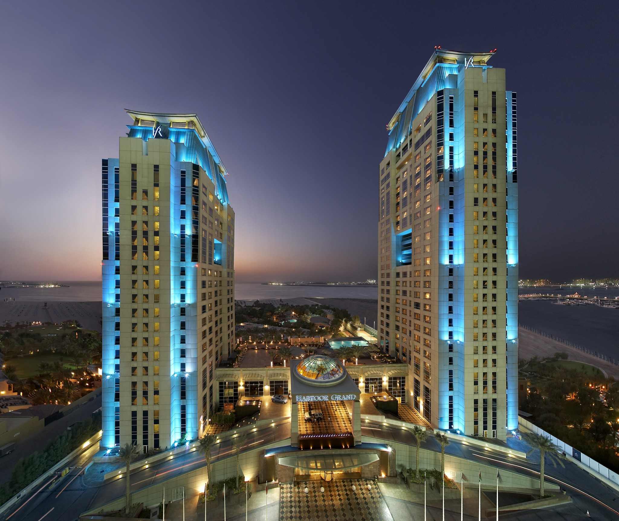 Habtoor grand luxury on a budget in dubai the lux for Hip hotel dubai