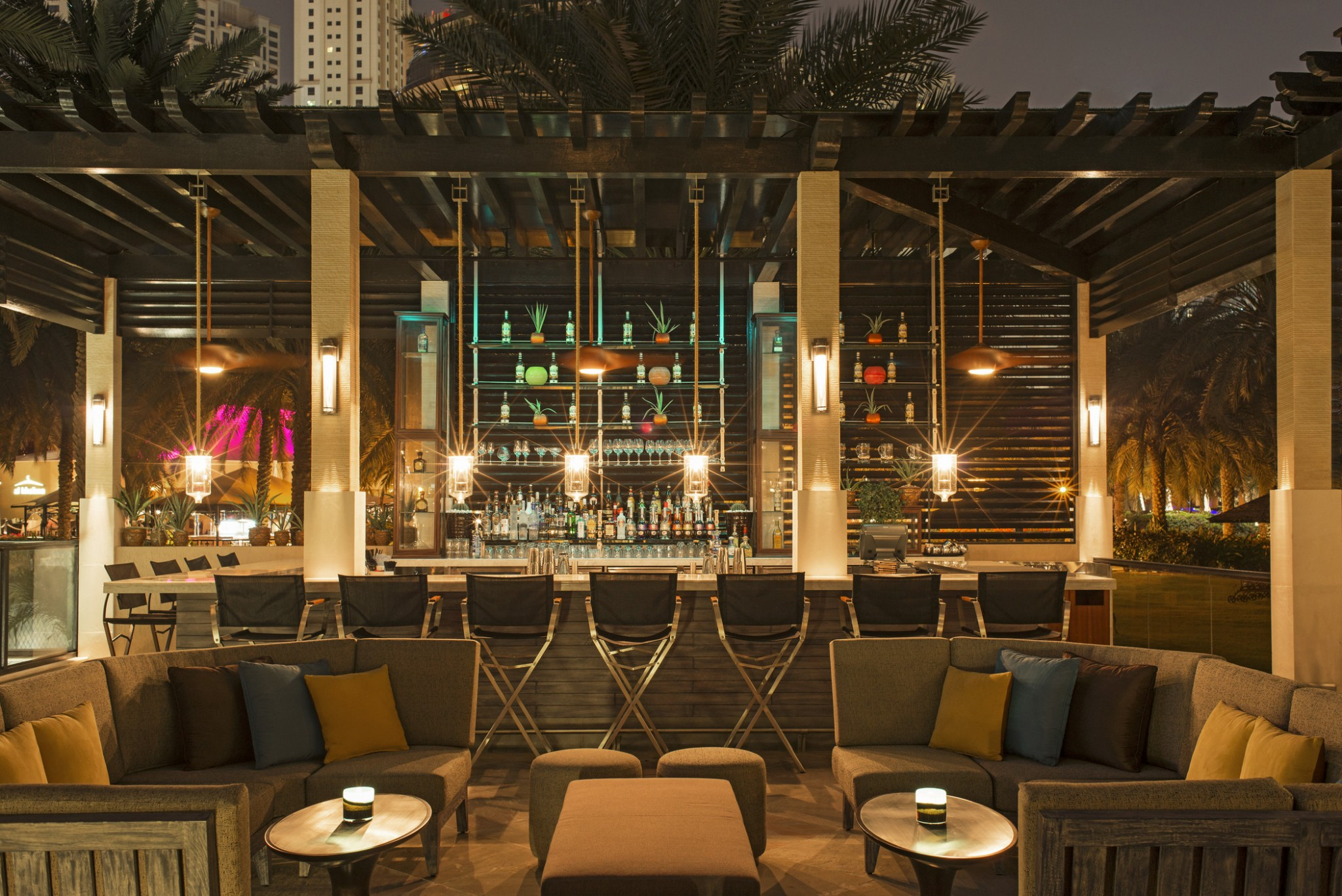 Grosvenor house dubai luxurious getaway for fun loving for Terrace hotel restaurant
