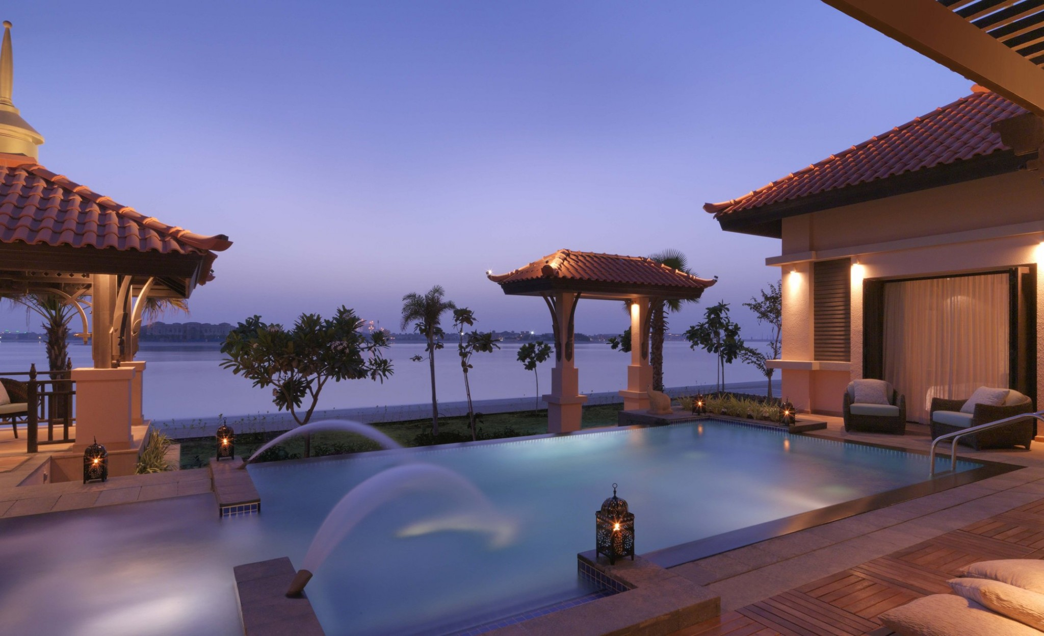 Anantara the palm family friendly luxury resort in dubai for Best romantic hotels in dubai
