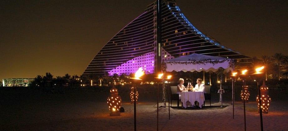 jumeirah_beach_hotel_02