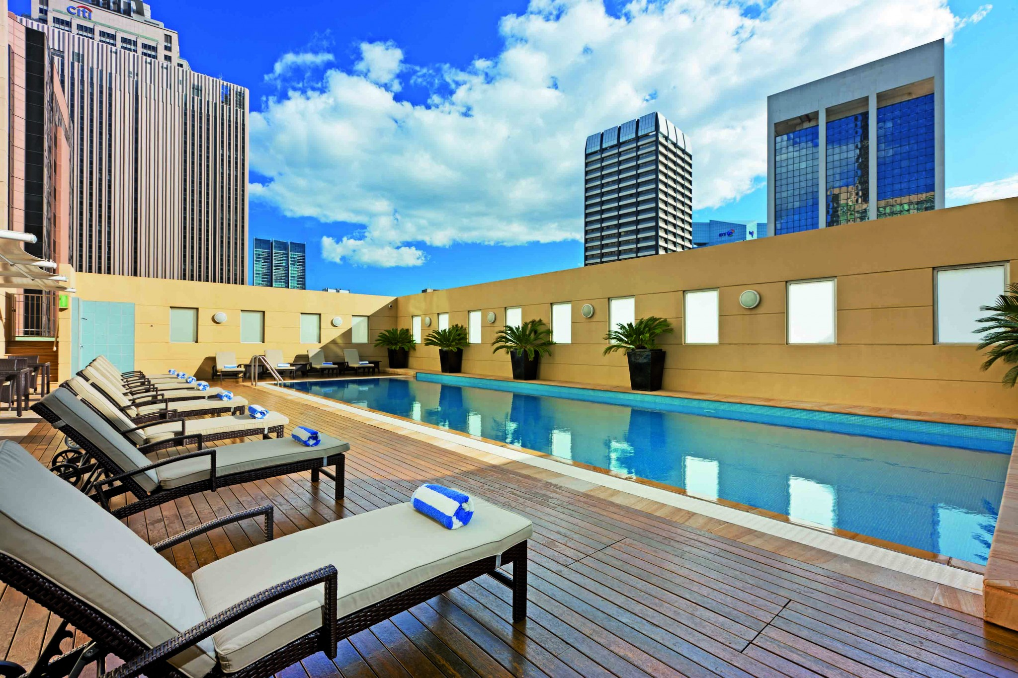 Outdoor Heated Pool, level 10