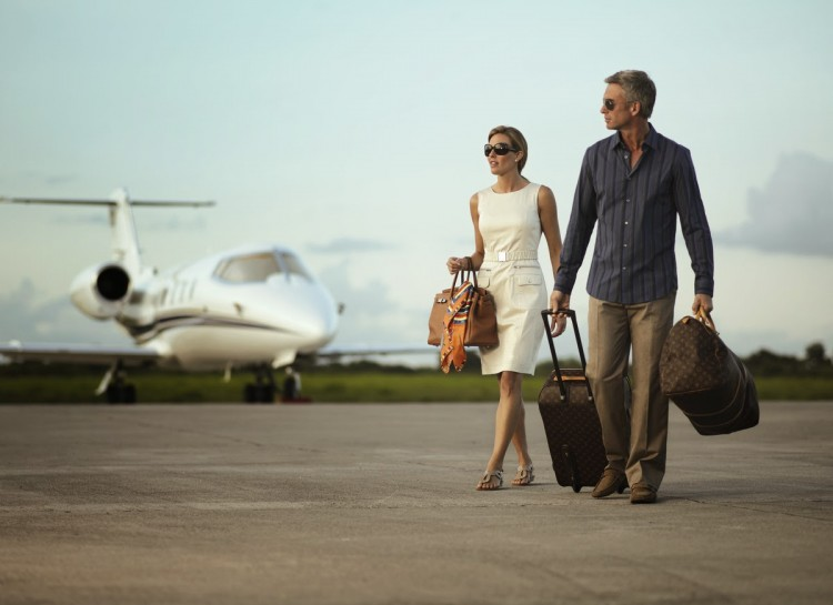 The_Lux_Traveller_Tours-Private-jet