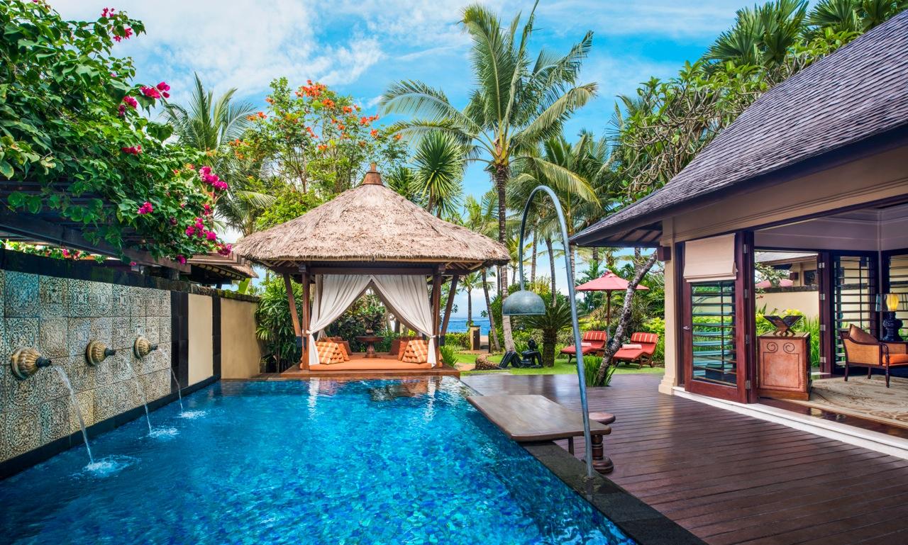 Strand villa-St Regis Bali_pool