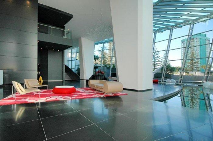 Q1-Lobby