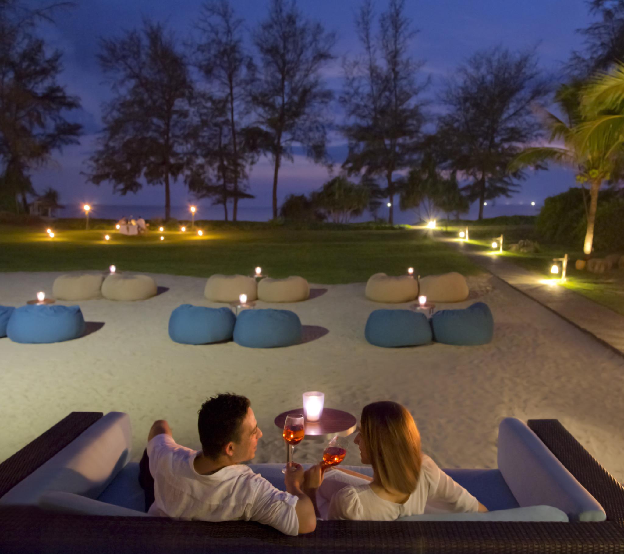 APK_62152644_Infinity_Pool_Bar__lounge