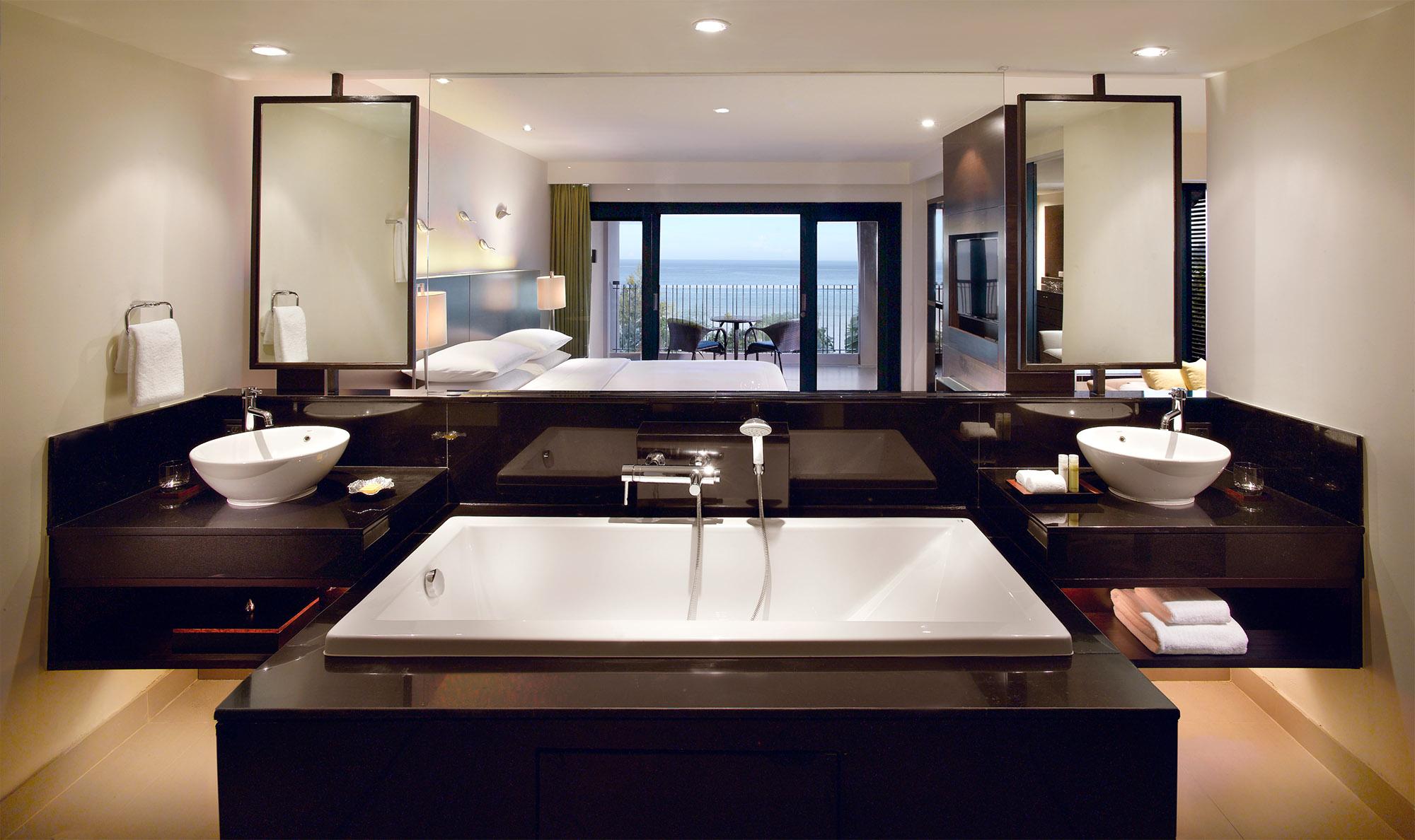Hyatt Phuket_Two-Bedroom Suite Bathroom