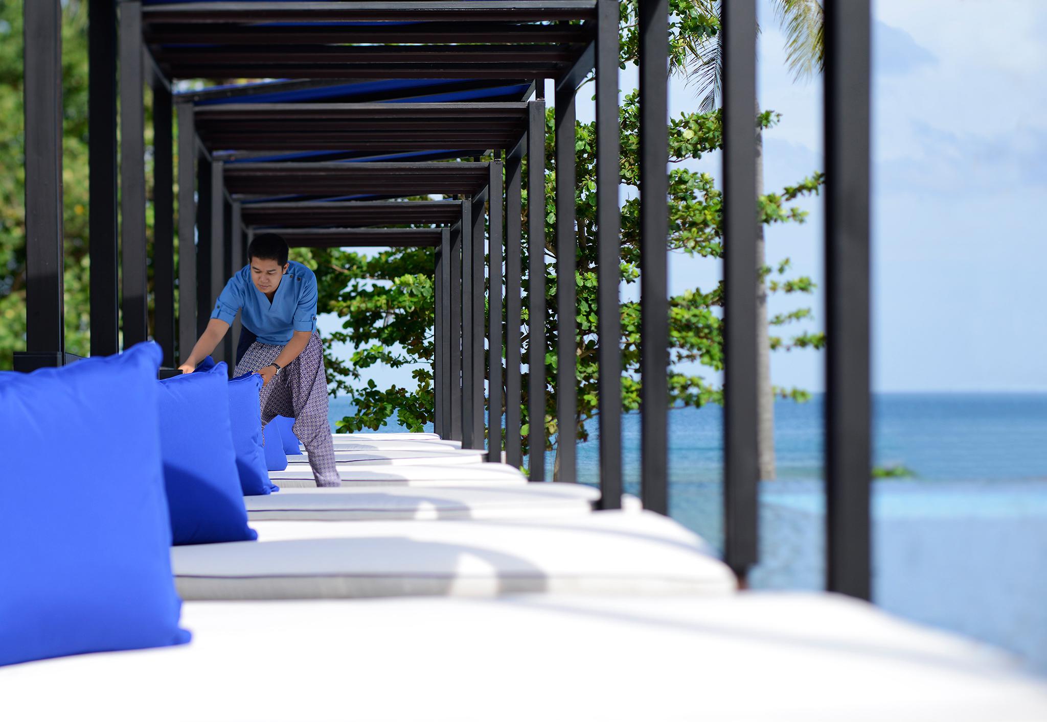 Hyatt_Phuket_Hotel staff