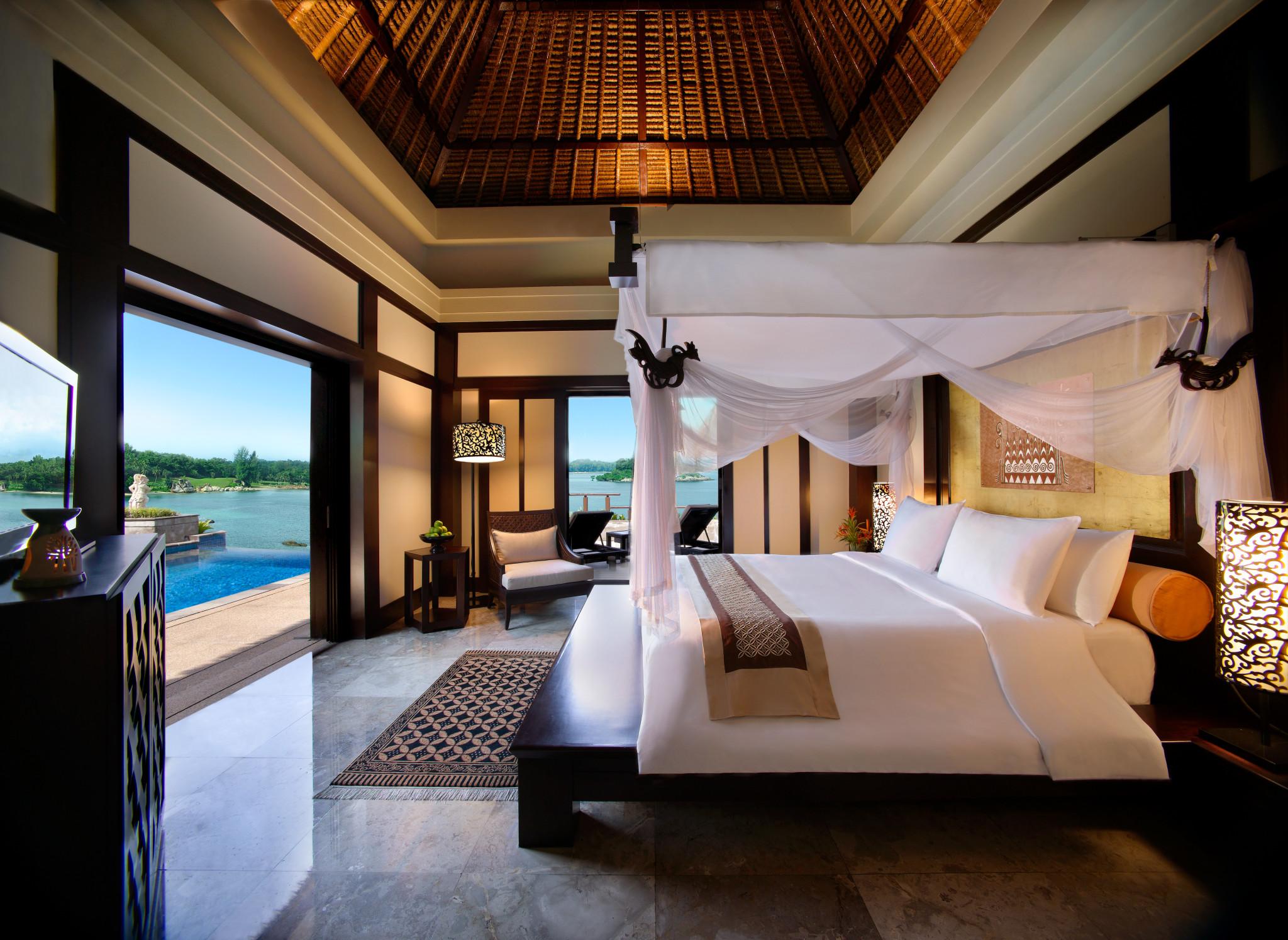 One_Bedroom_Banyan_Pool_Villa_-_Master_Bedroom