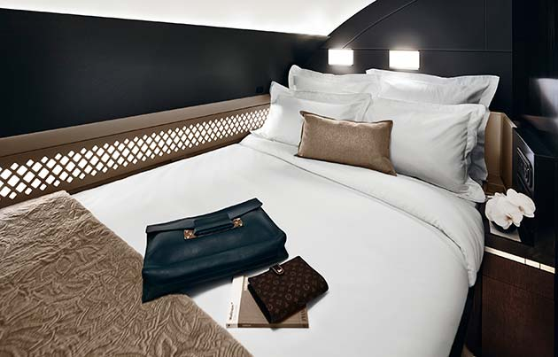 Wonderful double bed in the Residence - Etihad experience