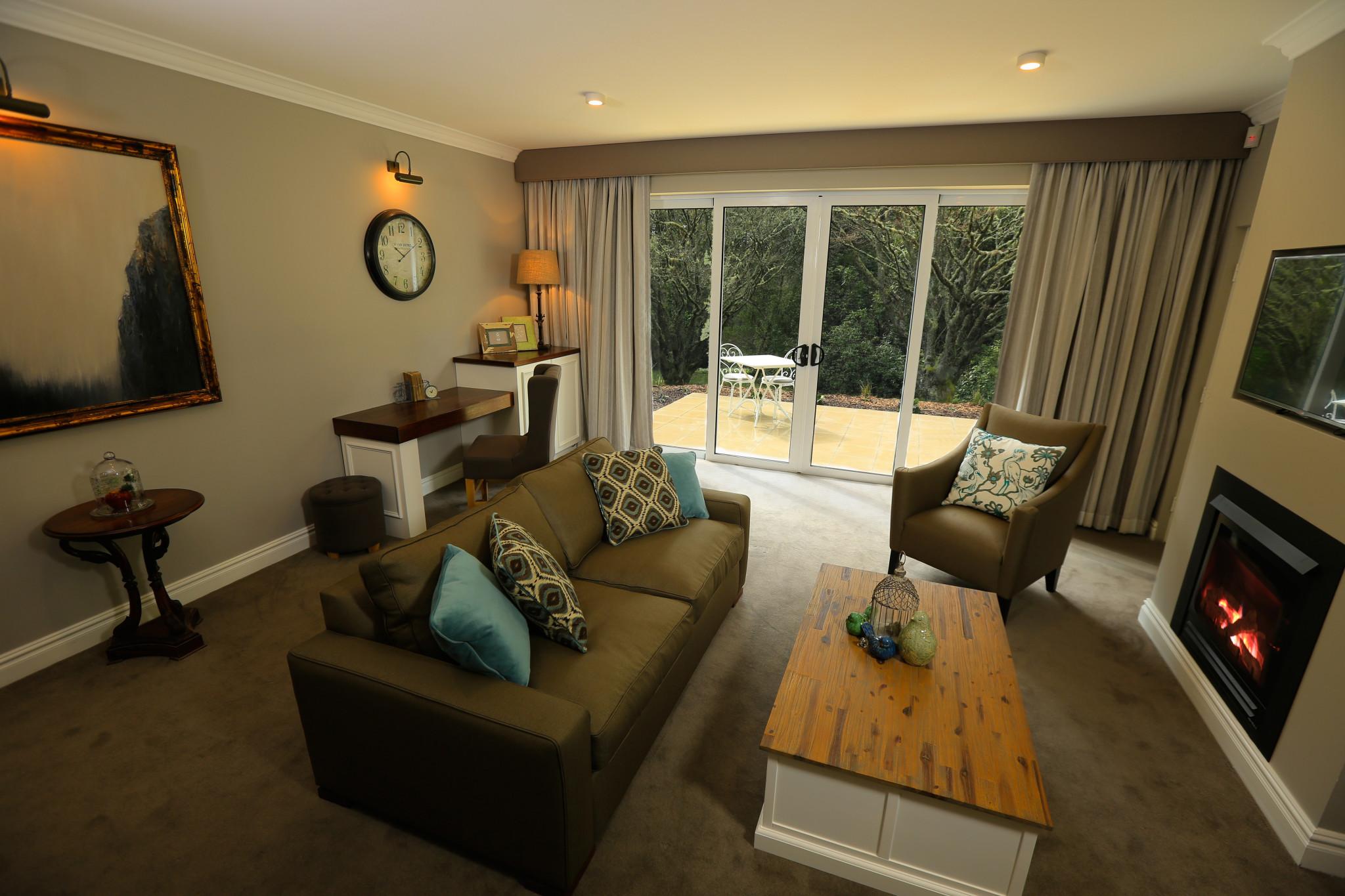 Garden Suite Lounge Room - Parklands Blue Mountains