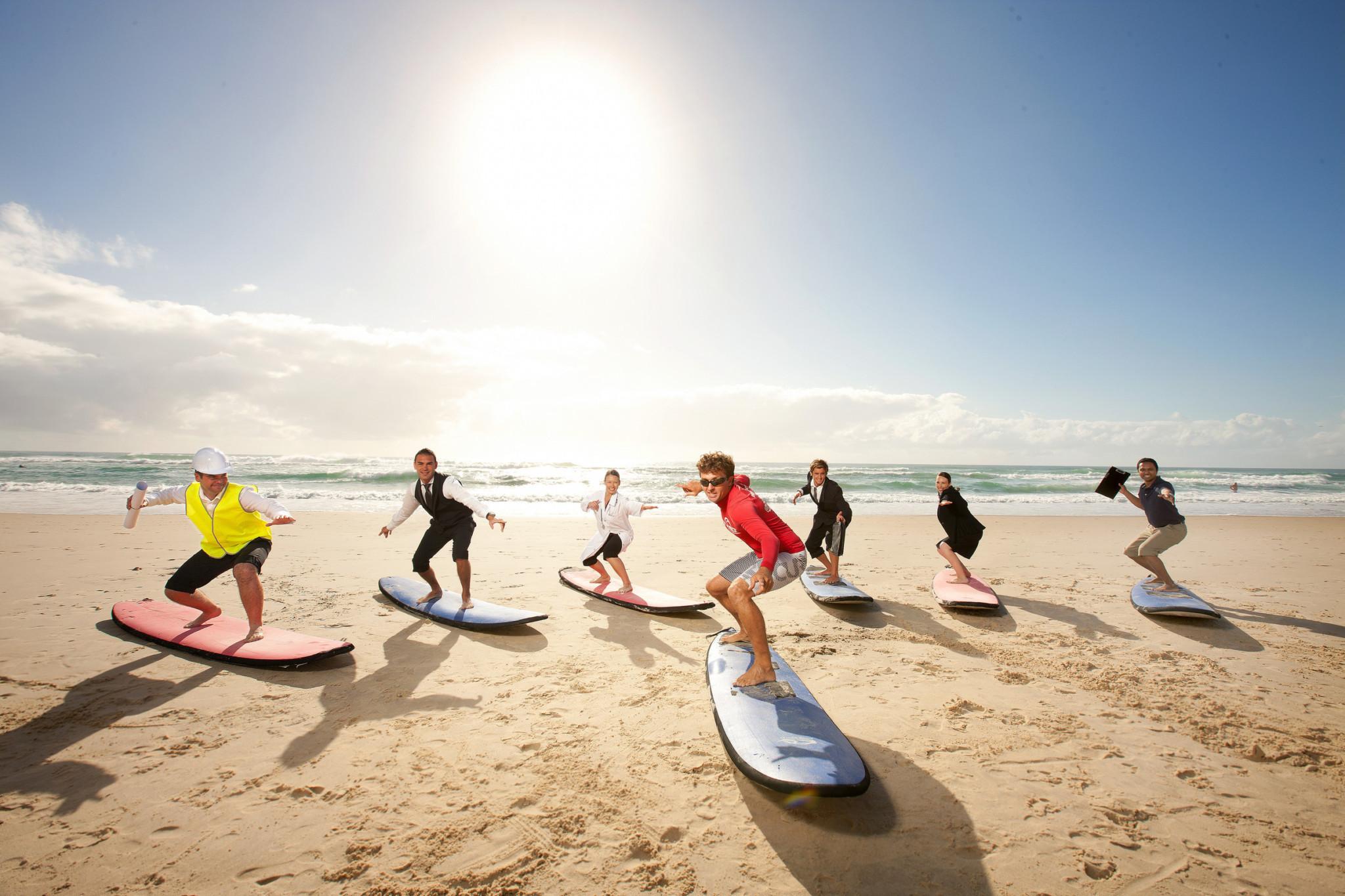 kids_surfing