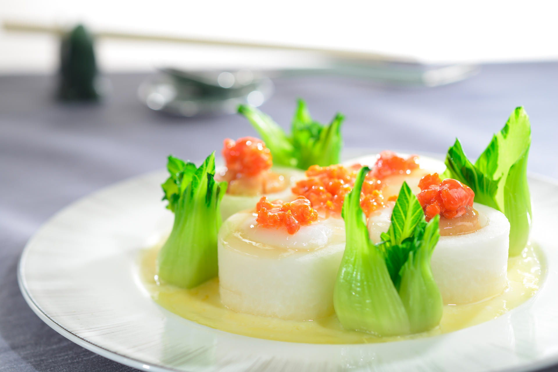 Yan Toh Heen - Braised Scallop and Conpoy with Winter Melon in Crab Roe Sauce For 100 Top Tables 2014