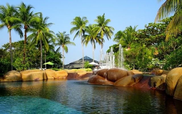 5 Westin Langkawi rock pool