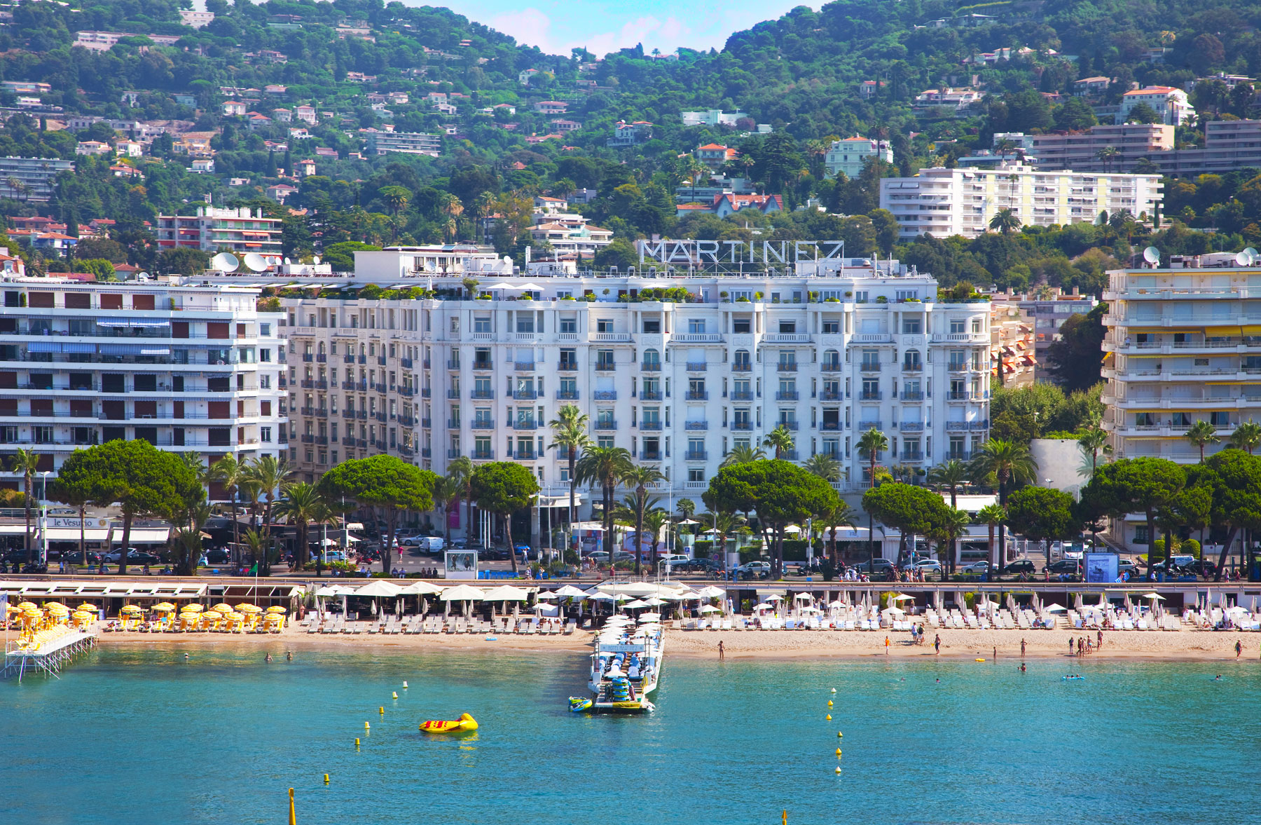 Grand-Hyatt-Cannes-Hotel-Martinez-exterior