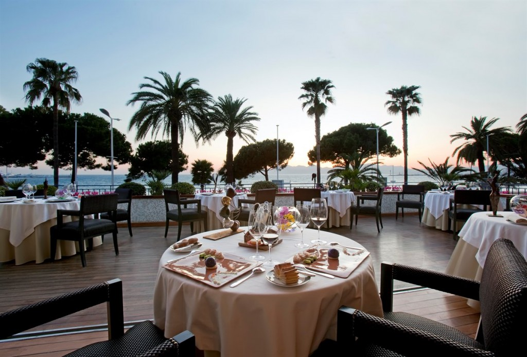Martinez-Cannes-dining