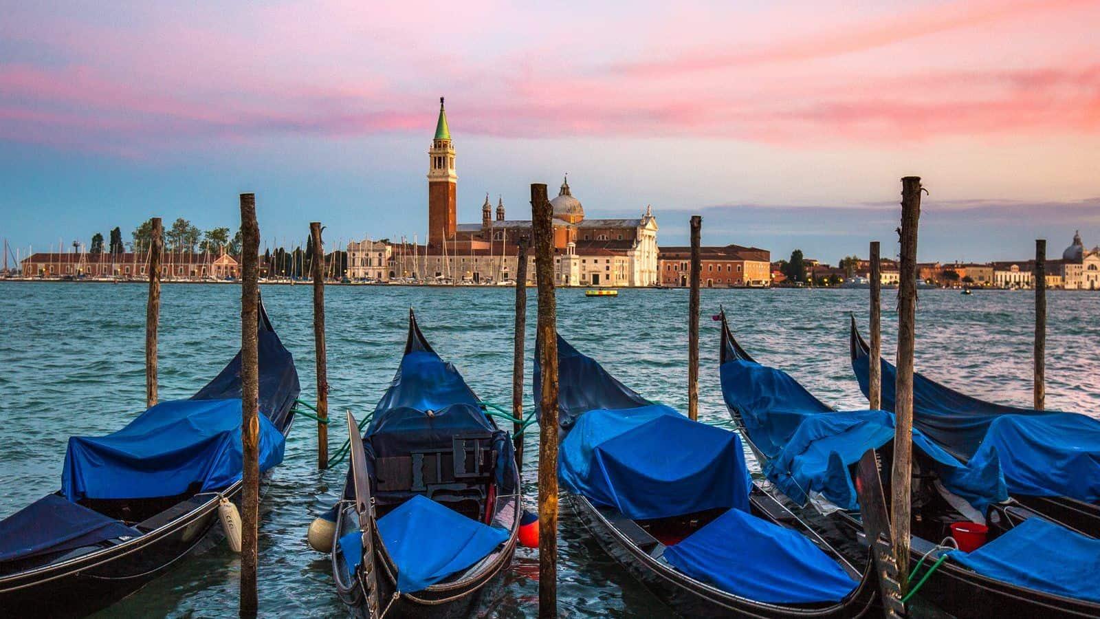 Gondolas-Venice-Hotel-Danieli-Venice