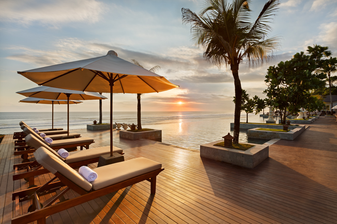 Infinity Pool - Sunset View