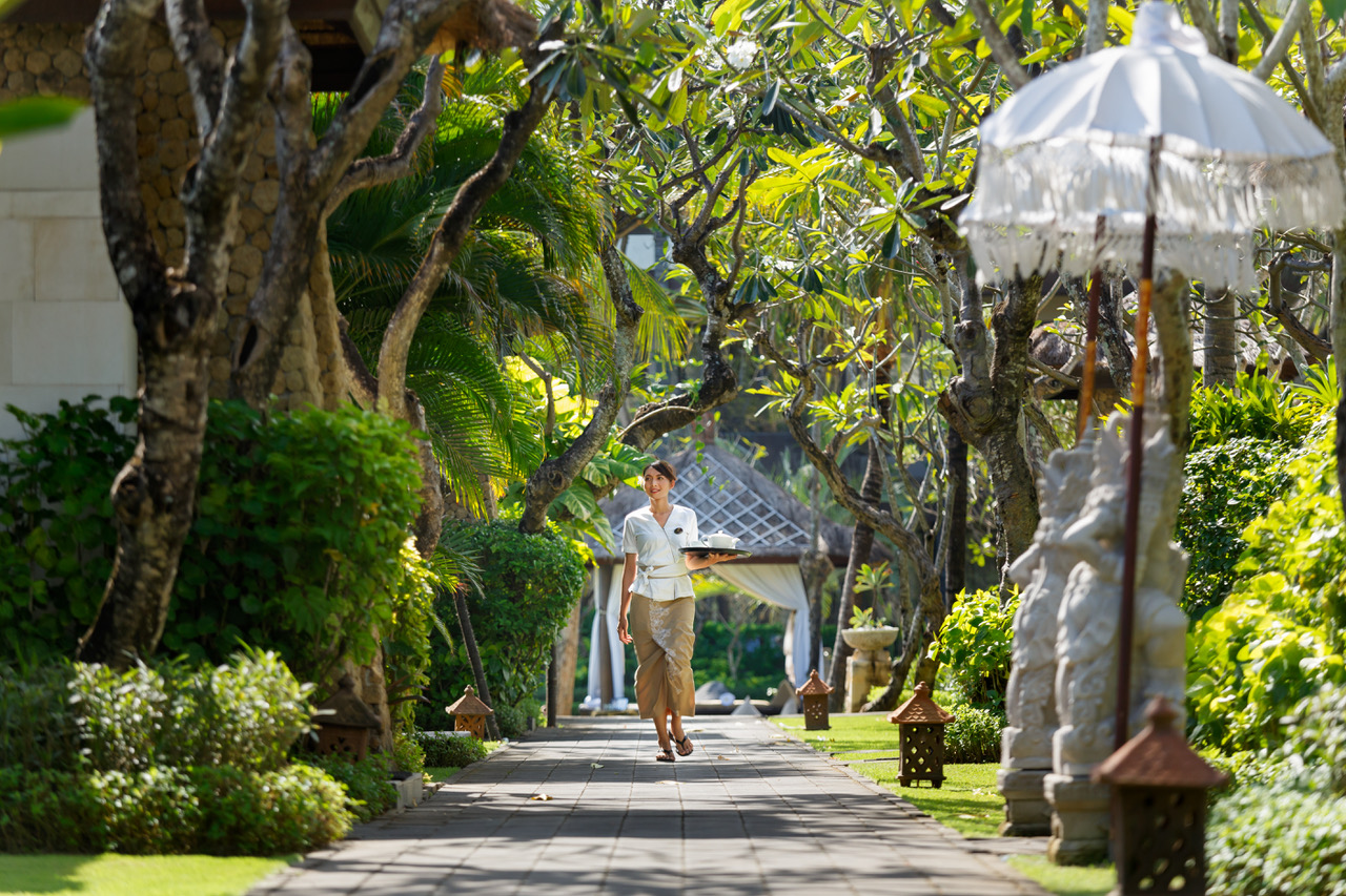 Romantic Bali and The Seminyak Beach Resort & Spa - The Lux Traveller