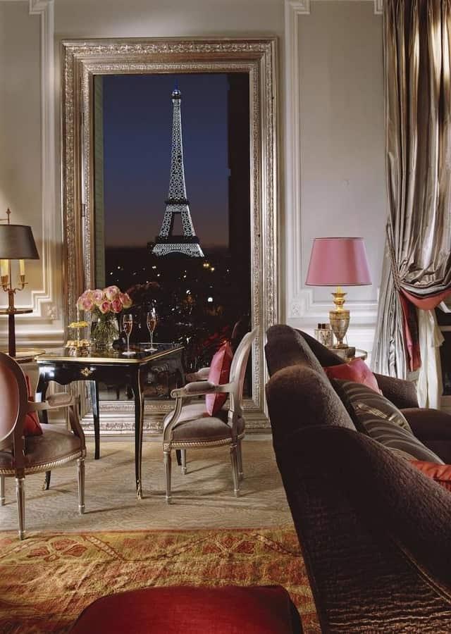 Eiffel signature suite 361 view