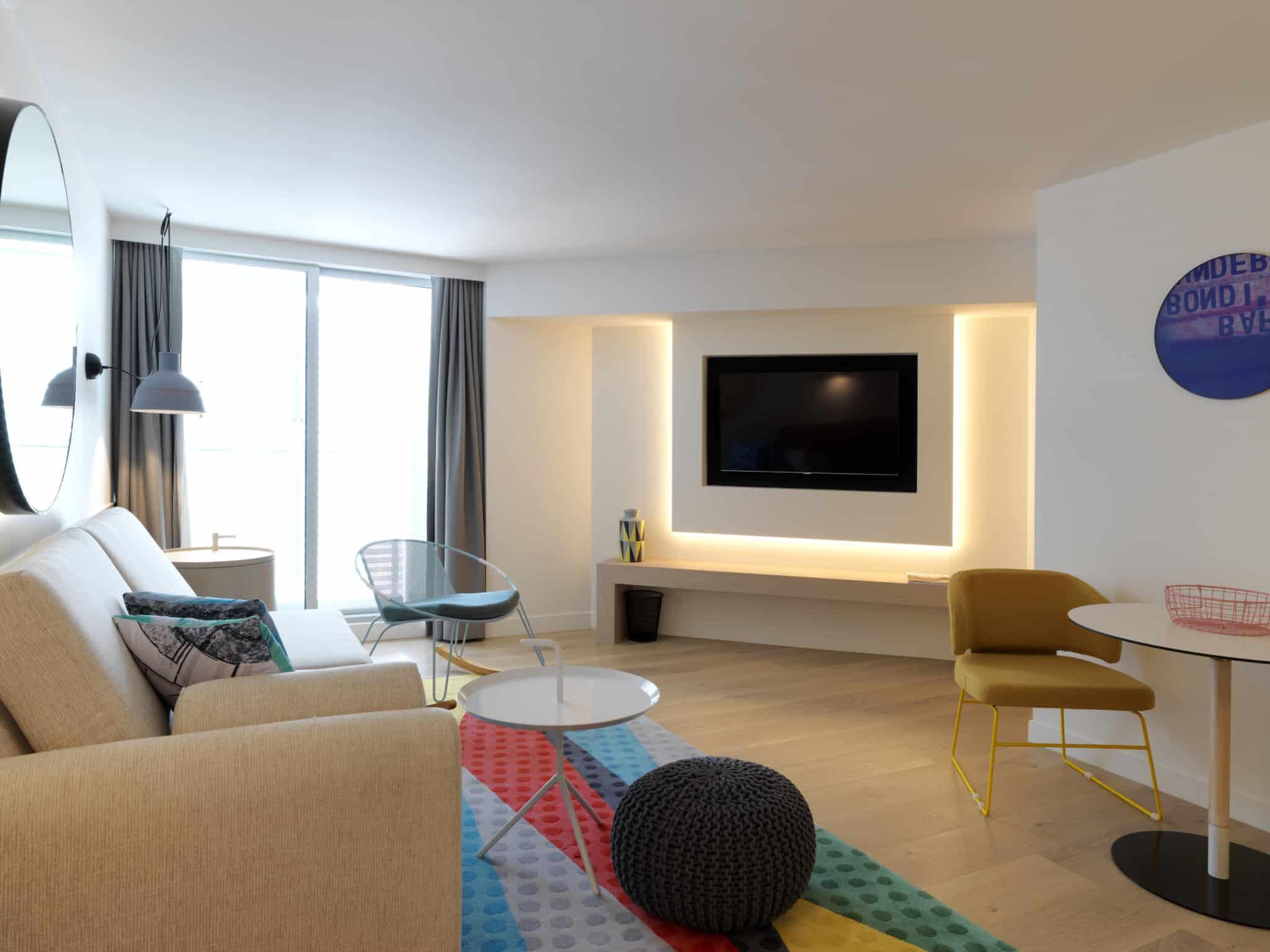 QT Bondi - Atrium Suite Living Room