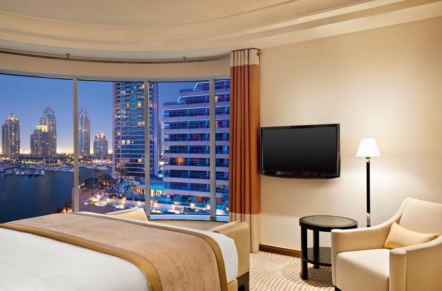 Grosvenor house dubai luxurious getaway for fun loving people the lux traveller for Hotels that offer 2 bedroom suites